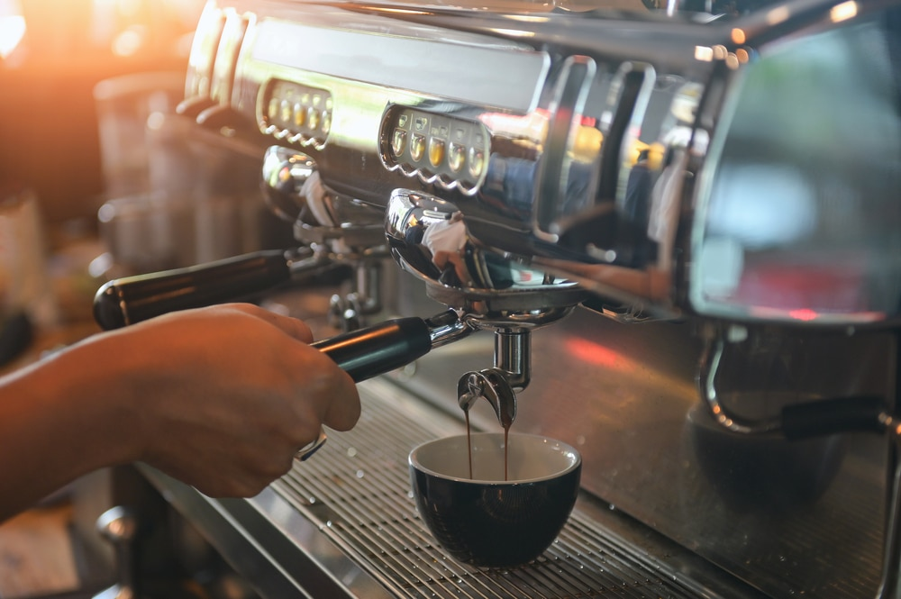 how to make a cappuccino with an espresso machine 4