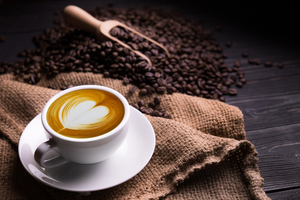 how to make a latte with an espresso machine 9